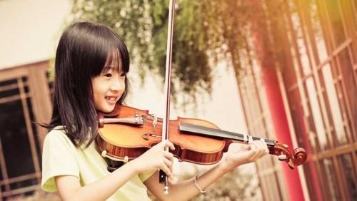 為什麼大家都送孩子去學小提琴?學音樂有什麼過人的好處?